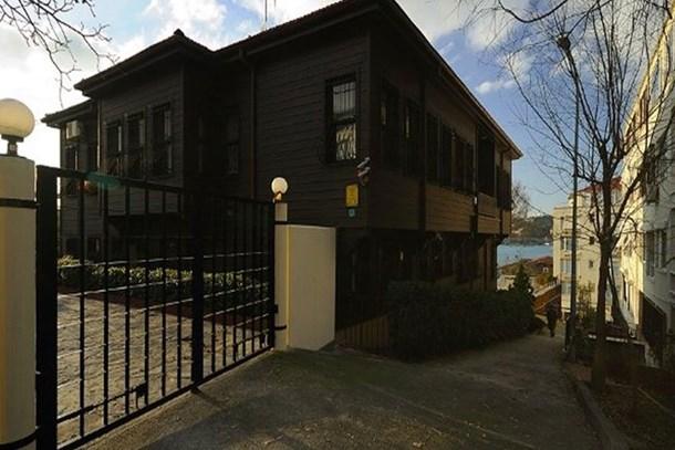 Sezen Aksu Mehmet Akif Ersoy'un evini sattı
