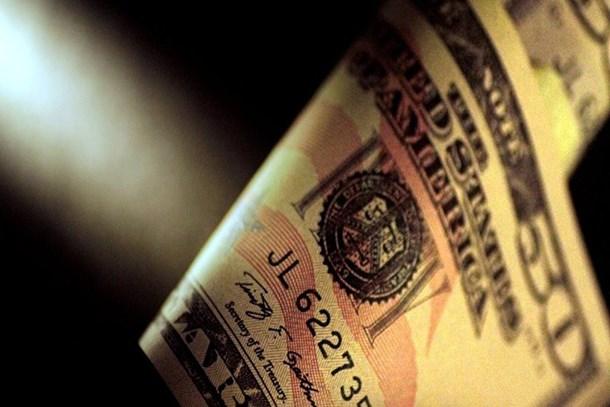 Dolarda düşüş hızlandı, TL değer kazandı