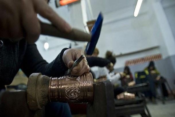 İşsiz kalan esnafa 2 bin 10 lira işsizlik maaşı
