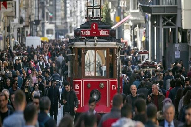İstanbul'da hangi parti önde?