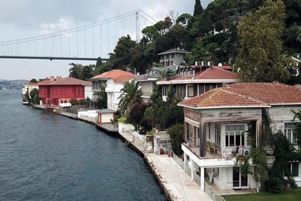 İstanbul'un yalıları satılmayı bekliyor!