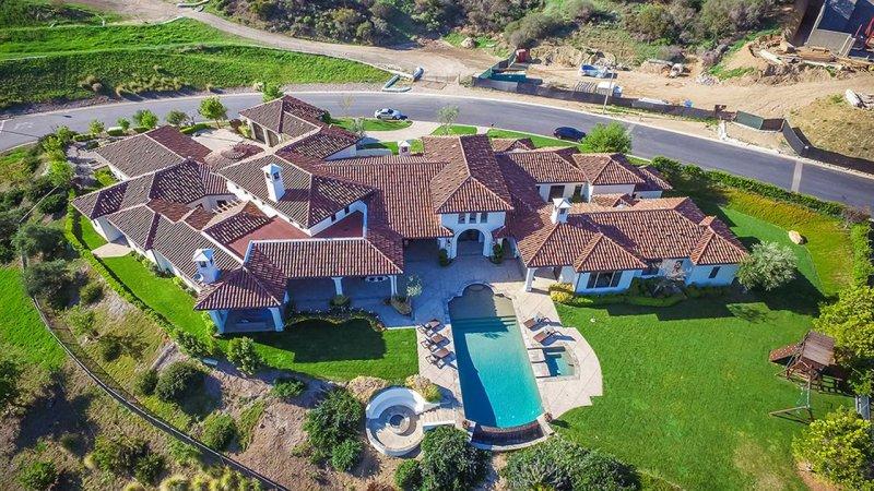 Los Angeles'ta bulunan Britney Spears'a ait olan bu muhteşem evin özenle düzenlenmiş dekorasyonu...