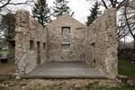 Çatısı bile yoktu! 1800'lü yıllardan kalan binayı saraya çevirdi