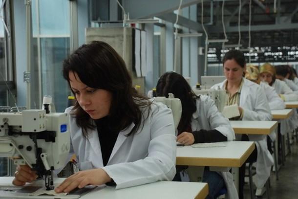 Kadınların istihdam oranı erkeklerin yarısından az