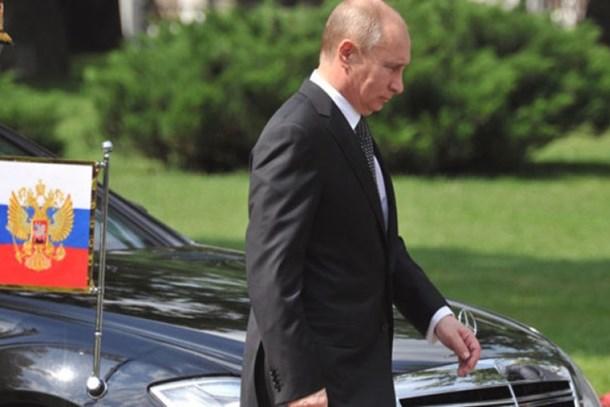 Putin, zırhlısını internet sitesinden satıyor