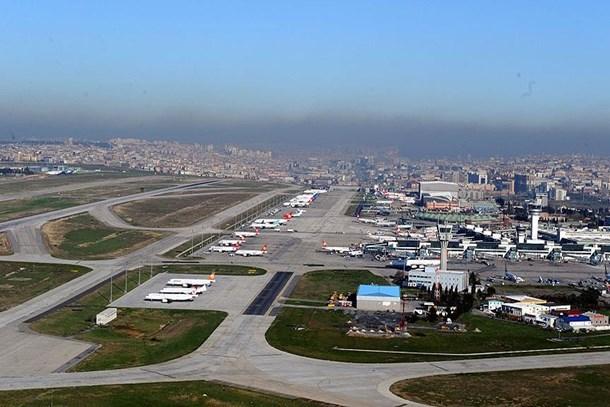Havadaki yükün yarısını Atatürk Havalimanı 'omuzladı'