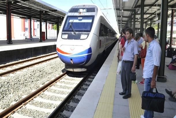 Bakan Arslan'dan Gebze-Halkalı demiryolu için açıklama