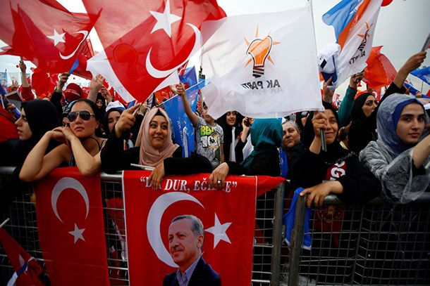AK Parti'den ilk erken seçim sinyali!