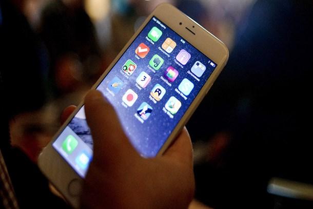 iPhone satışları tepetaklak oldu
