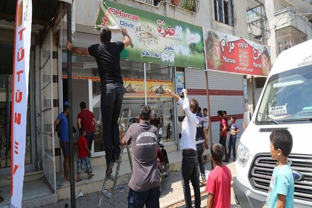 Arapça tabela, poster ve afişler kaldırıldı