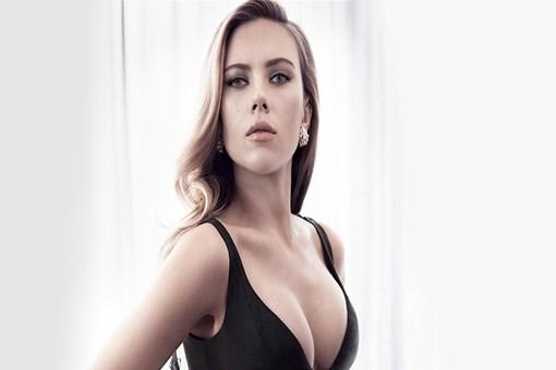 Scarlett Johansson ev arıyor!